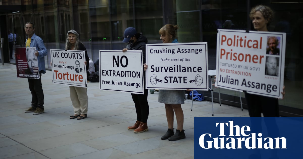 Vietnam war leaker Daniel Ellsberg warns against extraditing Julian Assange