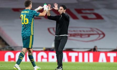 Emiliano Martínez seizes chance at Arsenal to make sacrifices worthwhile | Arsenal