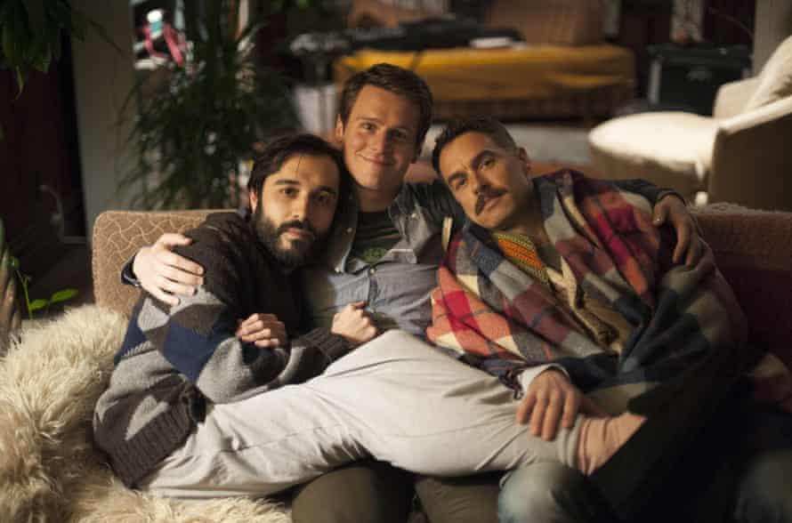 Agustín (Frankie J Alvarez), Patrick (Jonathan Groff) and Dom (Murray Bartlett) in Looking