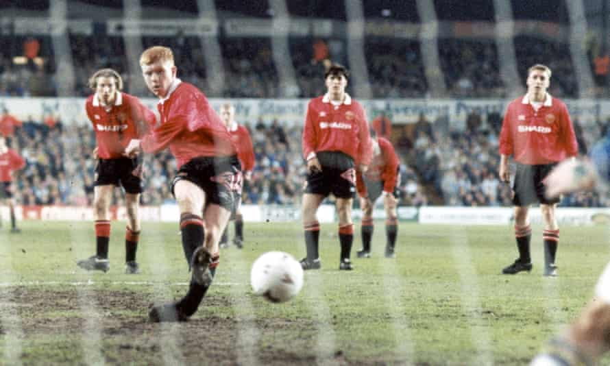 Paul Scholes scores a penalty at Elland Road in the FA Youth Cup final of 1993 as Robbie Savage looks on