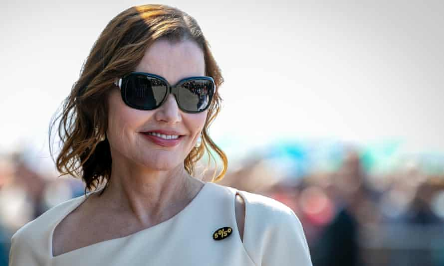 """Actor Geena Davis during the 45th Deauville American Film Festival on 10 September 2019 in Deauville, France. She wears a pin saying """"50/50""""."""