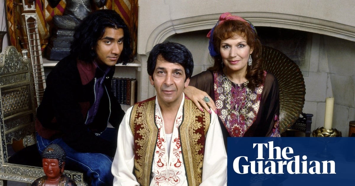 There were no books about people like me': Hanif Kureishi on writing The  Buddha of Suburbia | How I wrote | The Guardian