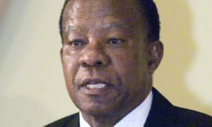 Ketumile Masire at a news conference in Cape Town, South Africa, in 2001.