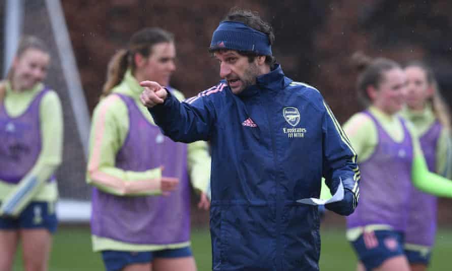 Joe Montemurro leading an Arsenal training session this month.