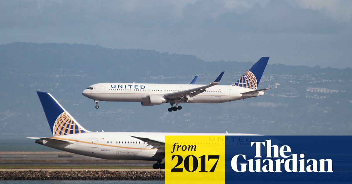 6d58143afbca08 United Airlines: leggings ban 'not sexist' even though it affects women more