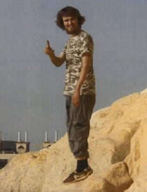 The photograph of Jack Letts in Raqqa that accompanied the first news stories about him.