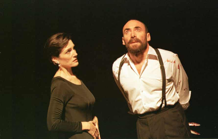 Antony Sher as Macbeth and Harriet Walter as Lady Macbeth in the Royal Shakespeare Company's 1999 production