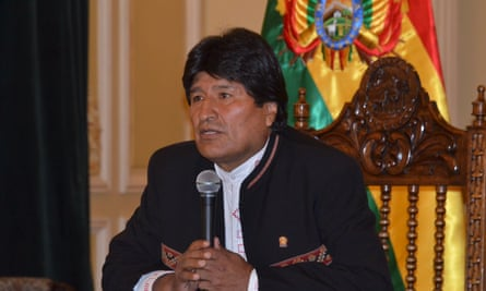 Evo Morales's government has accused opposition and the US embassy of mounting a conspiracy to orchestrate his defeat in February's referendum.