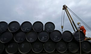 File photo of a worker preparing to transport oil pipelines to be laid for Pengerang Gas Pipeline Project in Johor<br>A worker prepares to transport oil pipelines to be laid for the Pengerang Gas Pipeline Project at an area 40km (24 miles) away from the Pengerang Integrated Petroleum Complex in Pengerang, Johor, in this February 4, 2015 file photo. REUTERS/Edgar Su/Files