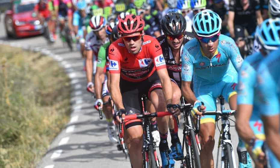 Tom Dumoulin wears the leader's red jersey during Friday's 19th stage of the Vuelta a España from Medina del Campo to Ávila.