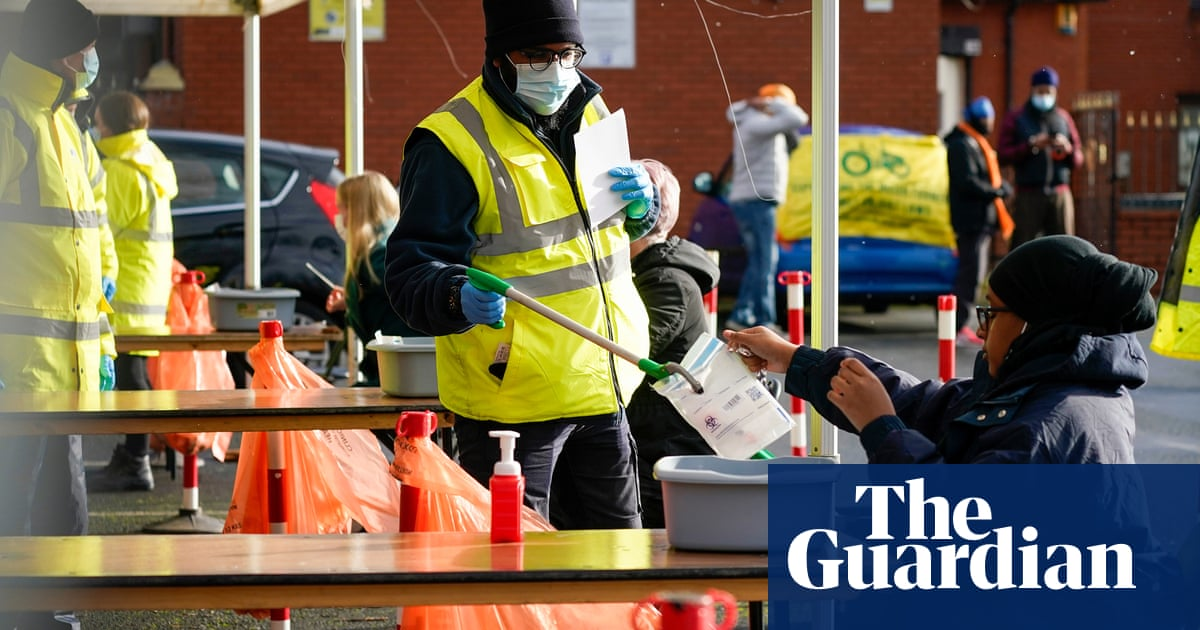 Coronavirus R number falls below 1 in UK for first time since July