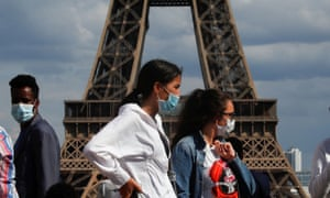 Tourists in masks in Paris