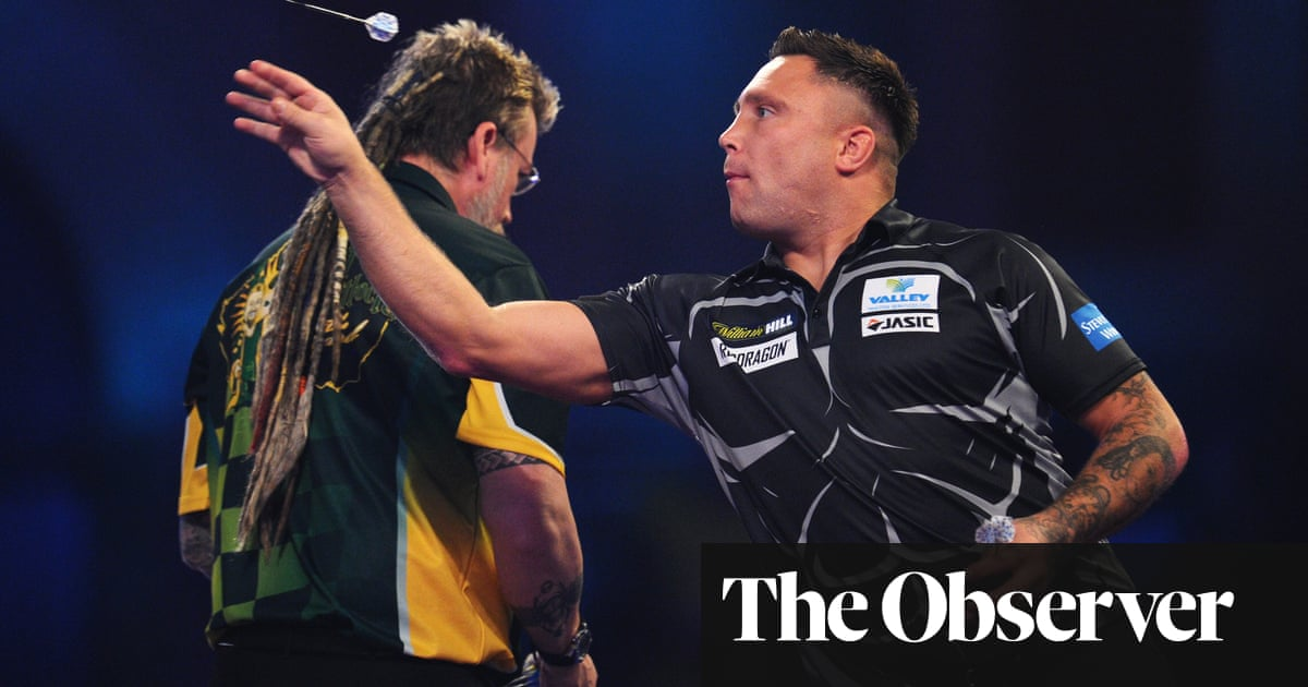 Gerwyn Price accuses Simon Whitlock of 'pathetic' play in PDC world darts