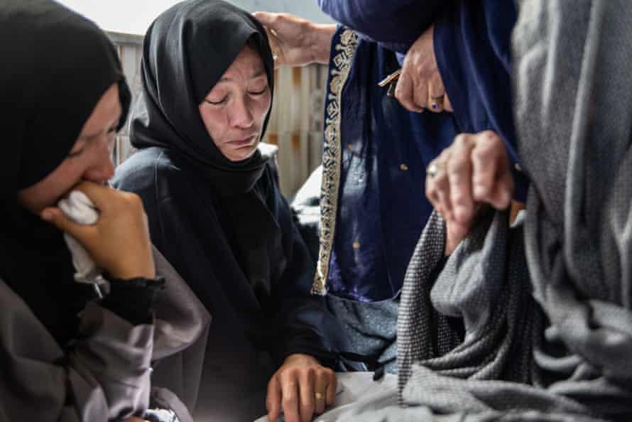 Women crying, mourning, Kabul