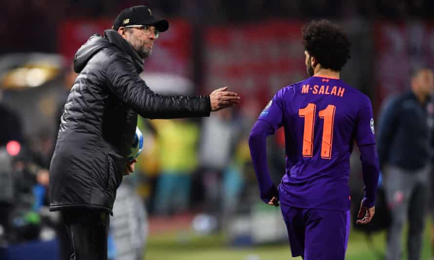 Jürgen Klopp remonstrates with Mohamed Salah during Liverpool's 2-0 Champions League defeat in Belgrade.