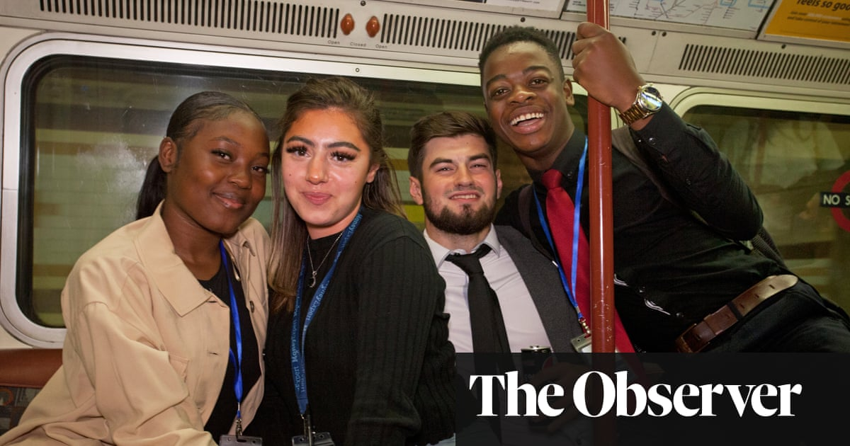 To mask or not to mask? Opinion split on London underground
