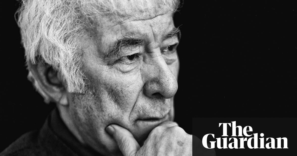 seamus heaneys north collection Poetry and terror richard murphy september 30  in 1972 he published his third collection  and in this rare quality seamus heaney's north excels.