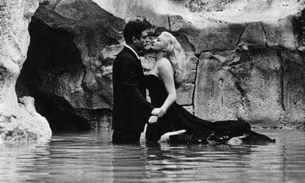 Marcello Mastroianni and Anita Ekberg in the Trevi Fountain in La Dolce Vita