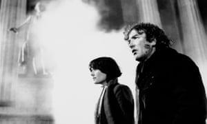 Diane Venora and Albert Finney in Wolfen, 1982