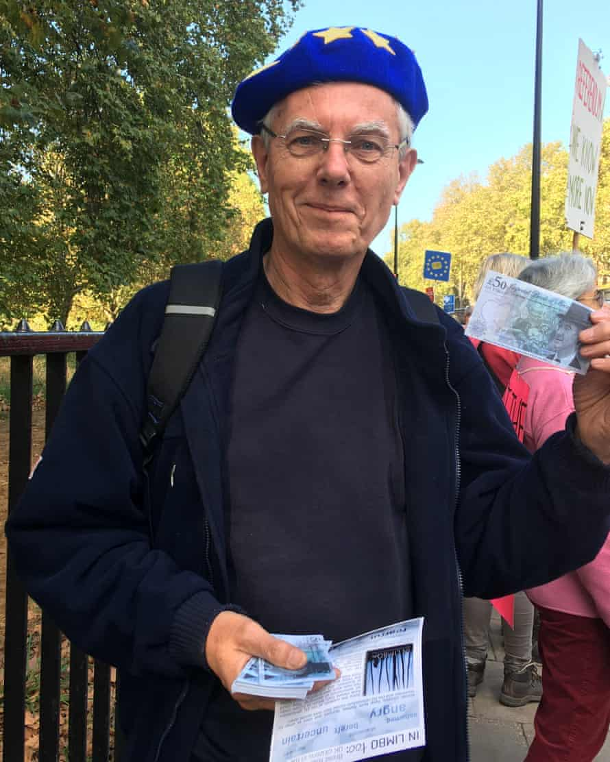 Peter Andrews with Jacob Rees-Mogg bank note.