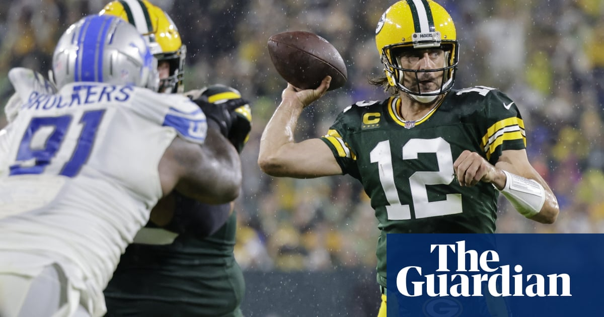 Green Bay Packers pull away from Lions behind Aaron Jones' four touchdowns