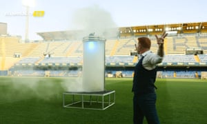 Cazorla was unveiled as Villarreal player from inside a smoke-filled chamber, with the help of a magician.