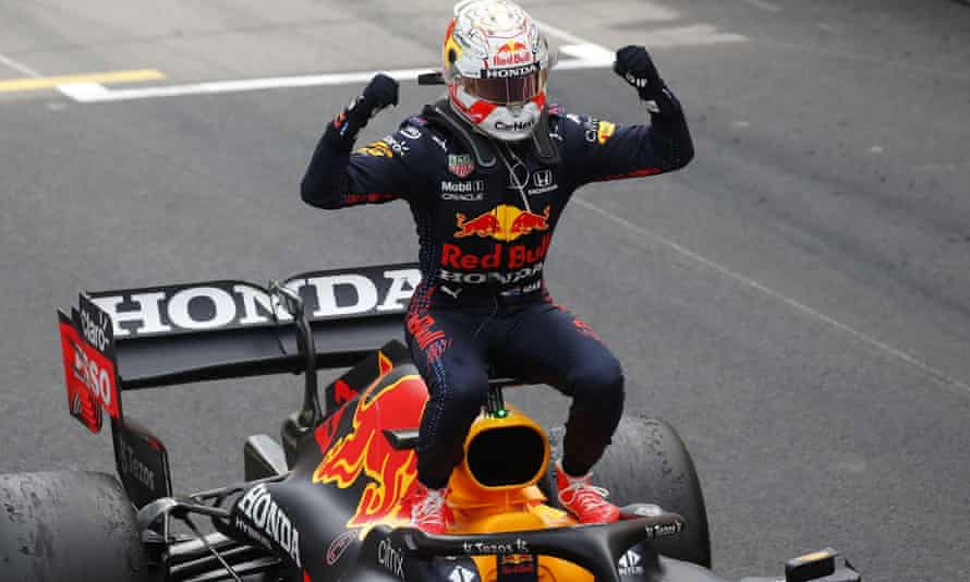 Max Verstappen ของ Red Bull ฉลองชัยชนะของเขาในโมนาโกกรังด์ปรีซ์