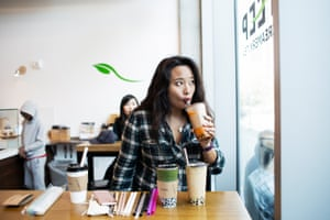 The reporter Vivian Ho tests different straws for boba tea at Steep Creamery and Tea in San Francisco.