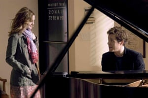 Drew Barrymore and Hugh Grant in Music and Lyrics.