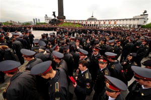 Crowds of soldiers in Moscow on Victory Day