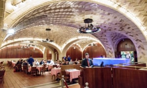 The Oyster Bar at Grand Central Terminal in Manhattan serves 5,000 oysters each day.