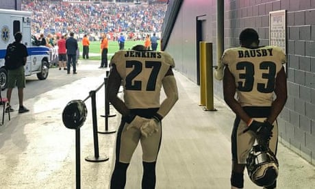 Three Philadelphia Eagles stay off field for anthem before Super Bowl rematch