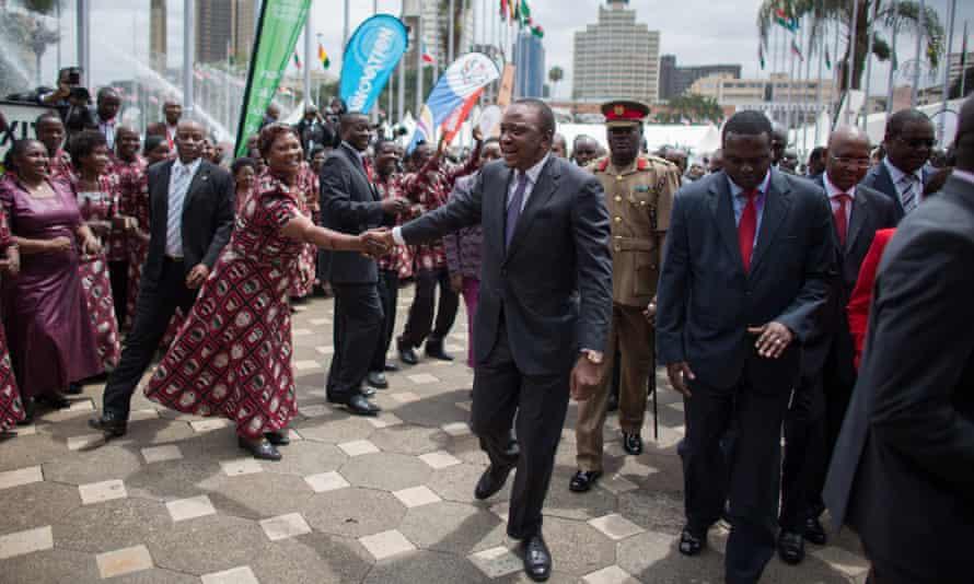 President Uhuru Kenyatta greeting a singer upon arrival at the Pre-Global Entrepreneurship Summit in Nairobi, 22 July