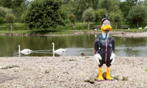 WWT Slimbridge Celebratory Dusty Duck Trail Launch (Open to the public 9th July to 10th September 2016) - Diving Dusty by Miranda Krestovikoff Picture by Antony Thompson - Thousand Word Media, NO SALES, NO SYNDICATION. Contact for more information mob: 07775556610 web: www.thousandwordmedia.com email: antony@thousandwordmedia.com The photographic copyright (© 2016) is exclusively retained by the works creator at all times and sales, syndication or offering the work for future publication to a third party without the photographer's knowledge or agreement is in breach of the Copyright Designs and Patents Act 1988, (Part 1, Section 4, 2b). Please contact the photographer should you have any questions with regard to the use of the attached work and any rights involved.