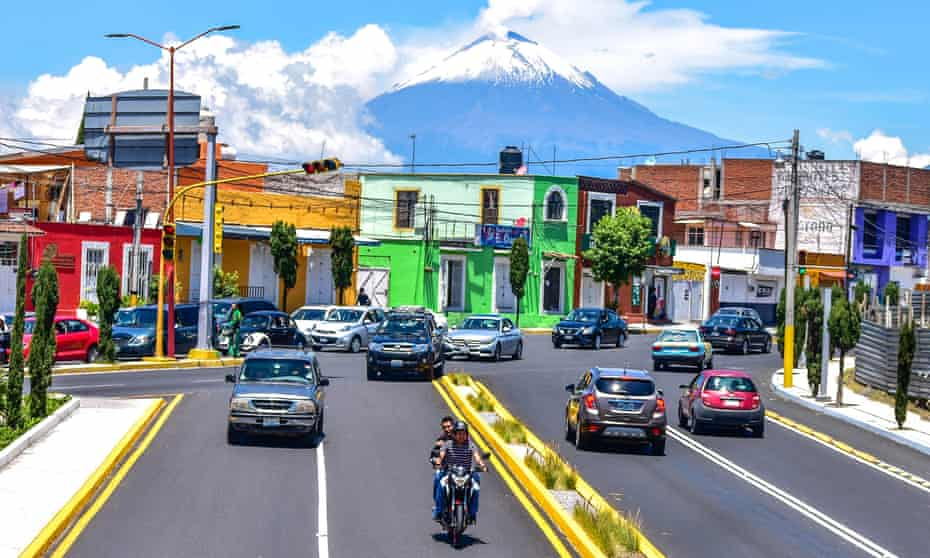 17,000 government employees are due to move to Puebla over the next three years, following the relocation of the public education secretariat in December.