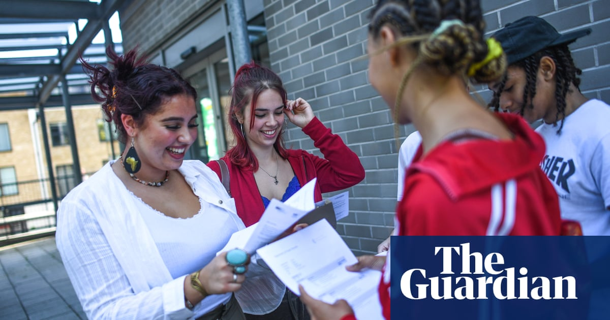 Exam system in England needs an overhaul, says schools leader