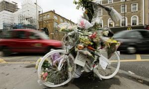 White 'ghost bike' at Kings Cross