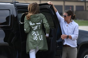 """US First Lady Melania Trump departs Andrews Air Rorce Base in Maryland June 21, 2018 wearing a jacket emblazoned with the words """"I really don't care, do you?"""" following her surprise visit with child migrants on the US-Mexico border."""