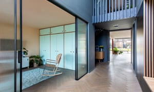 Partition walls, slats and sliding doors create separate areas in which to 'hide'.