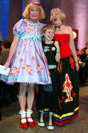 Perry with his wife and daughter Flo after winning the Turner prize in 2003.