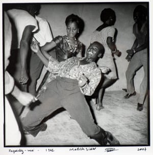 From Malick Sidibé's Regardez Moi series