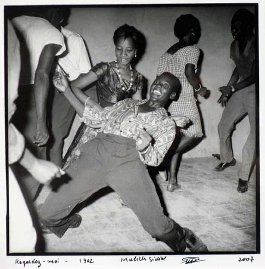 From Malick Sidibé's Regardez Moi series