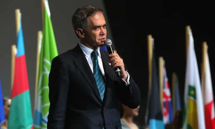 Miguel Angel Mancera Espinosa, mayor of Mexico City.