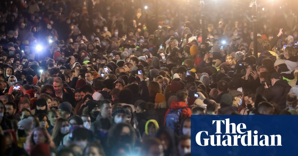 Thousands take to streets in Russia calling for Alexei Navalny's release – video