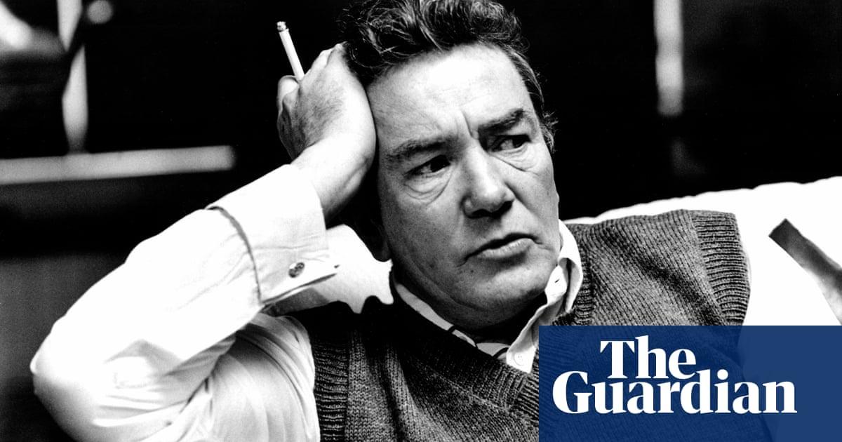 Albert Finney, cinema's original 'angry young man', dies aged 82