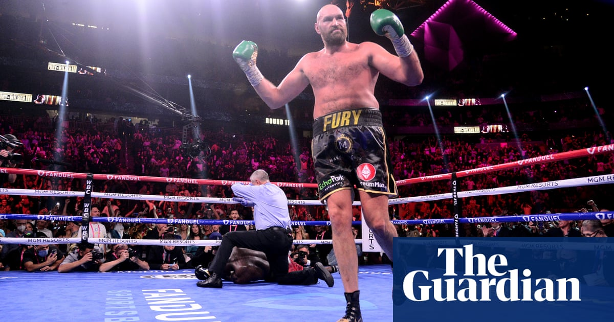 Tyson Fury beats Deontay Wilder in all-time classic to retain WBC heavyweight title