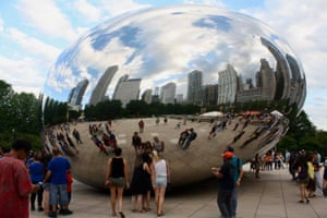 Anish Kapoor's sculpture Cloud Gate in Chicago.