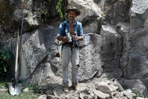 Jose Diaz, stonecutter
