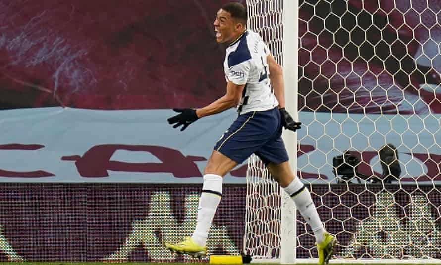 Vinícius turns jubilant after scoring the Spurs' first goal in the first half.