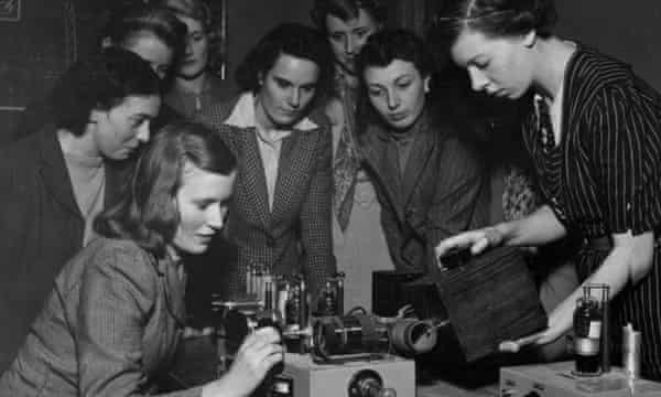 Students being taught the principles of transmitter operation in the 1940s.